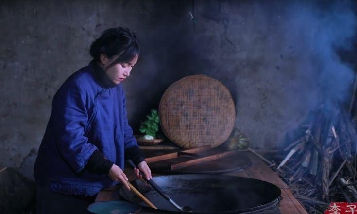 Li Ziqi cooking food